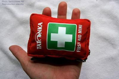 http://www.secourisme.net/IMG/jpg/trousse_secours_mini_4.jpg